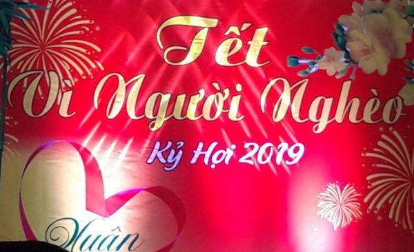 CBCNV Công ty CP Long Thọ tặng quà cho người nghèo vui xuân đón tết Kỷ Hợi 2019