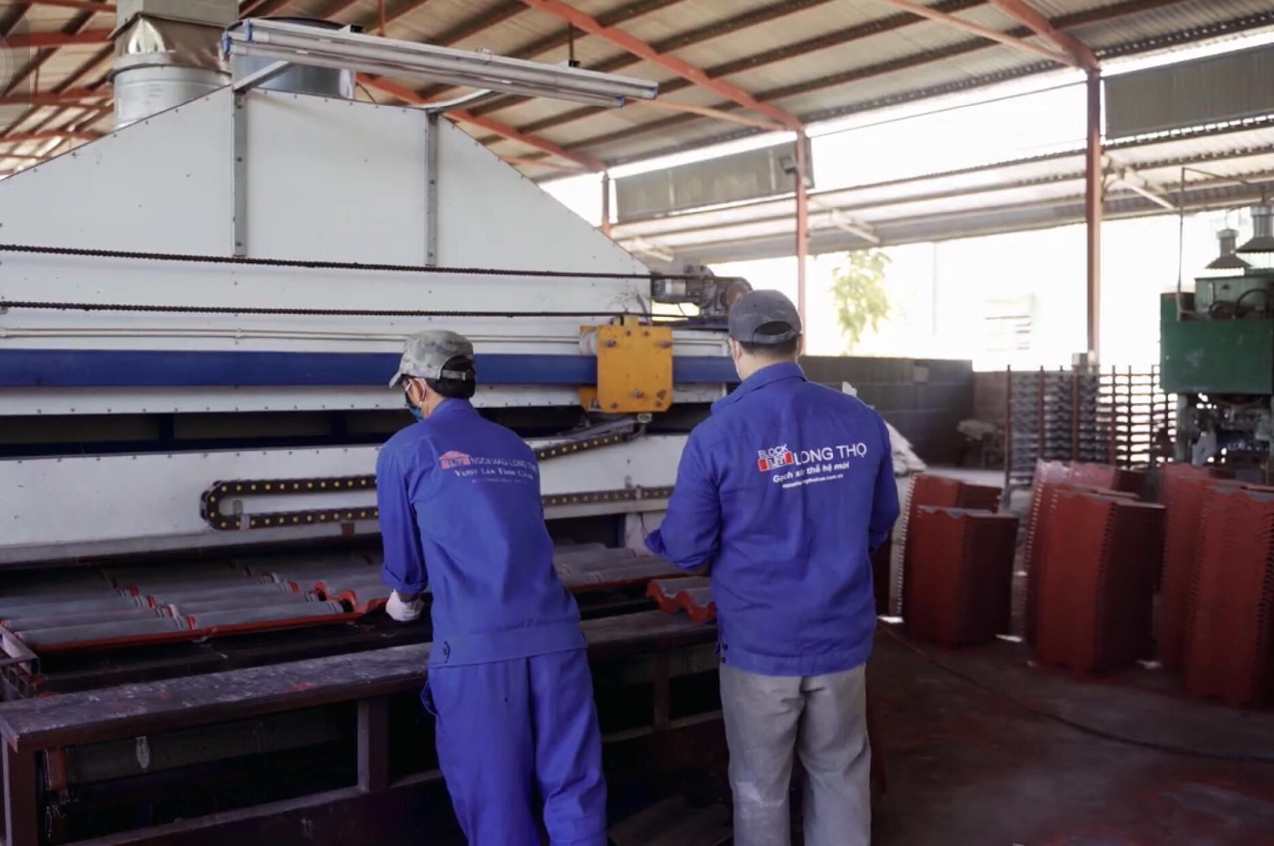 TT Huế: Thị trường vật liệu xây dựng hút hàng, giá tăng mạnh
